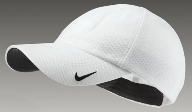 Pořiďte si stylovou čepku značky NIKE disponující technologií DRI-FIT!  Kšiltovka ze 100% prodyšného materiálu odvádí vlhkost z povrchu těla ... bfb4859701
